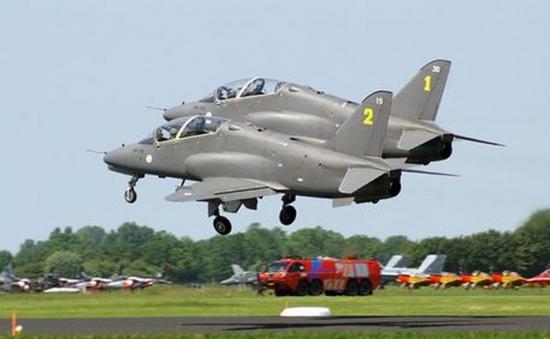 doua-avioane-militare-finlandeze-s-au-ciocnit-in-aer-235035