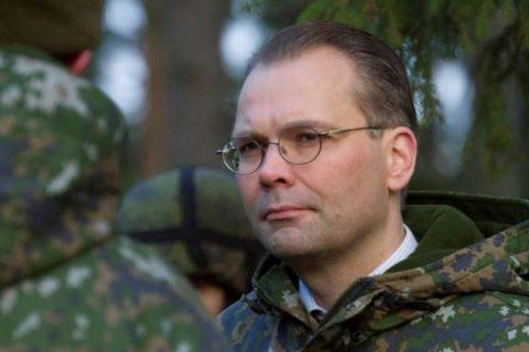 Finlanda: Ministrul Apărării face scandal din cauza meniului vegan din armată