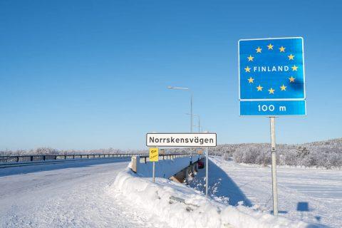 Finlanda aproape că își închide granițele. A trecut chiar și Norvegia pe lista roșie